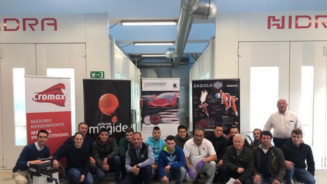 Cromax y Pinturas Magide apoyan a los participantes en la competición de Pintura del Automóvil del Galiciaskills