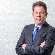 Gerardo Cuerva, nuevo presidente de Cepyme, recibe la felicitación de Faconauto