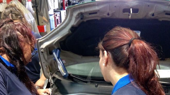Femete promueve la inserción laboral en el mundo del motor para desempleados