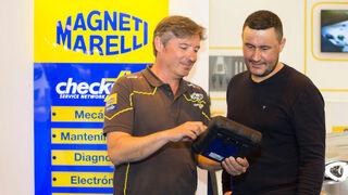 Un taller Magneti Marelli Checkstar muestra a los visitantes de Motortec las novedades de la marca