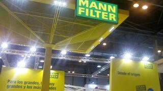 Novedades en filtración y concursos en el stand de Mann-Filter en Motortec