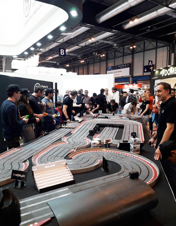 Campeonato de Scalextric en el stand de Pro Service