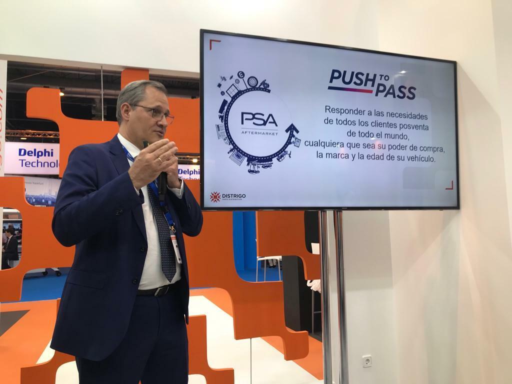 Antonio González presentando la estrategia de posventa del Grupo PSA y su iniciativa Distrigo