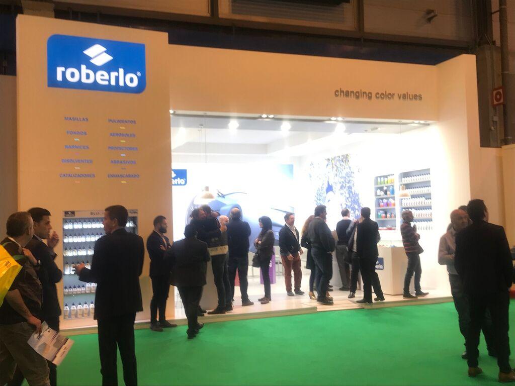 Stand de Roberlo, fabricante de productos para el repintado