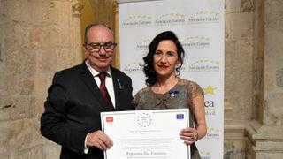 Lourdes San Emeterio, gerente de Repuestos San Emeterio, galardonada por la AEDEEC