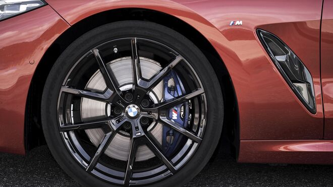 Los BMW X5, Serie 8 y Serie 3 incorporan neumáticos específicos de Bridgestone