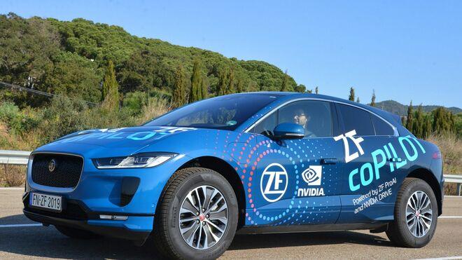 ZF lanza el sistema ADAS coPilot para una conducción semiautomatizada