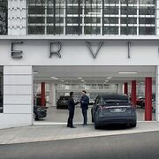 Las reparaciones de chapa y pintura llegan a los talleres de Tesla....en Estados Unidos