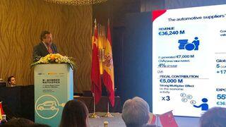 España estudia el desarrollo del mercado de coches eléctricos en China