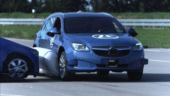 ZF desarrolla un airbag lateral externo para los vehículos