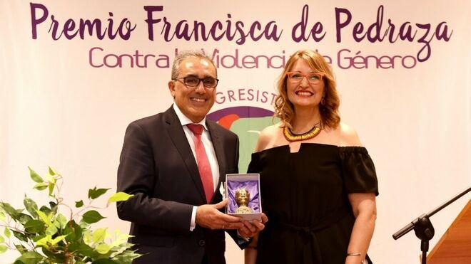 Talleres Gallardo recibe un galardón por su labor contra la violencia de género
