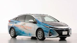 Toyota crea un prototipo de vehículo enchufable y solar