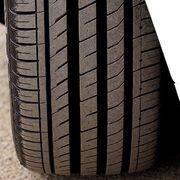 ¿Por qué hay que vigilar el desgaste de los neumáticos en verano?