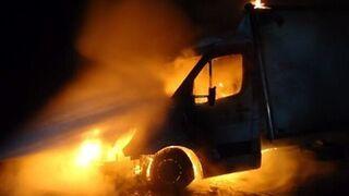 Herido el dueño de un taller en A Pobra (La Coruña) al intentar sofocar un incendio en su local