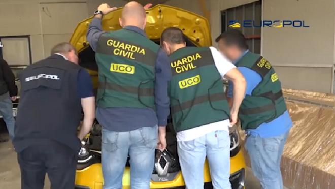 Desarticulada una red que robaba vehículos y los vendía en concesionarios de Madrid y Toledo