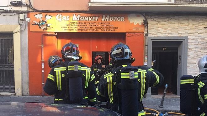 Arde un taller de chapa y pintura en Madrid