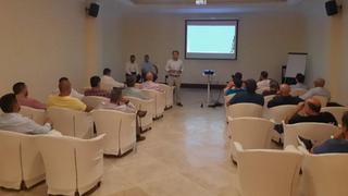 Clientes andaluces de Glasurit analizan con el fabricante la situación del mercado