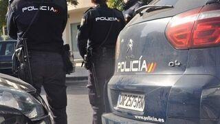 Detienen a dos hombres por robar en un taller de Gijón