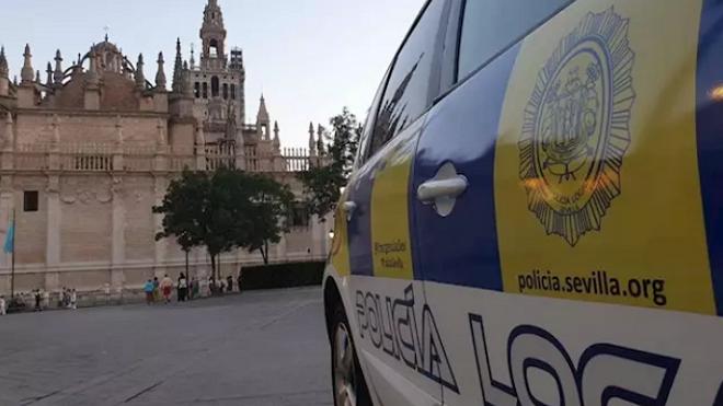 Detienen a dos hombres por robar en un taller de Sevilla