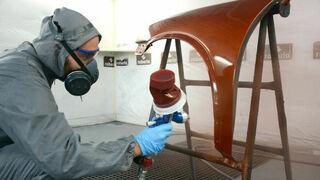 ¿Qué herramientas son esenciales en un taller de chapa y pintura?