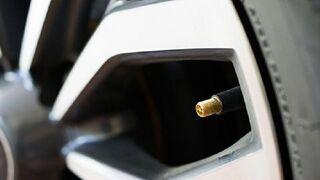 ¿Cuál es la función de las válvulas de los neumáticos?