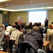 Asistentes a la reunión entre los talleres del Maresme y la UEAC