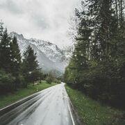 ¿Qué se debe revisar en el coche ante la llegada de un temporal?