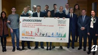 Bridgestone y First Stop donan 20.500 € a AECC para la investigación del cáncer infantil