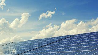 Astrauto ofrece a sus asociados la instalación de paneles solares en los talleres
