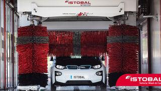 ¿Cómo lavar un coche eléctrico?