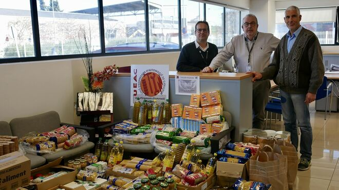 La Ueac recoge 1.500 kilos de alimentos en su campaña solidaria de Navidad