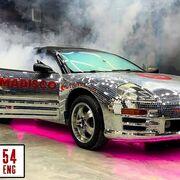 65.000 cristales para un Mitsubishi Eclipse, el proyecto loco de un taller ruso