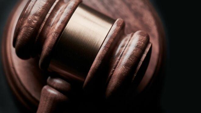 El taller que ha retenido 9 años un coche incumple la sentencia y no lo entrega a su dueño