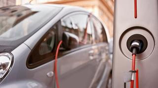 Más de la mitad de los vehículos comprados en 2025 serán híbridos y eléctricos