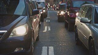 El 93% de los ciudadanos prefiere el coche antes que el transporte público o carsharing