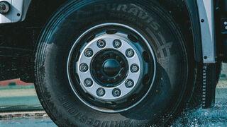 Bridgestone Duravis R002 para flotas, el mejor neumático en mojado para TÜV SÜD