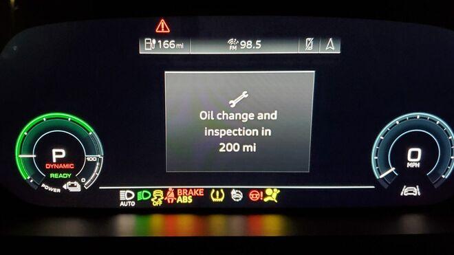 El curioso fallo del Audi e-tron: un eléctrico que advierte sobre realizar un cambio de aceite
