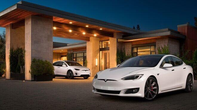 El dilema de los clientes de Tesla: actualizar sus vehículos o quedarse sin prestaciones básicas