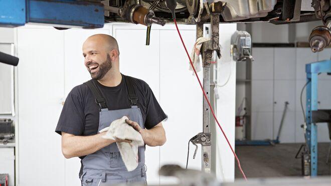 El sistema de alquiler de paños de limpieza de Mewa, la alternativa sostenible para el taller