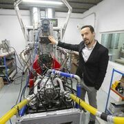 """Un granadino inventa y patenta """"el motor que revolucionará la automoción"""""""