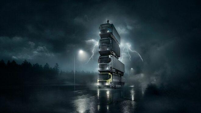 La espectacular presentación de Volvo Trucks: el presidente corona una torre de 4 camiones