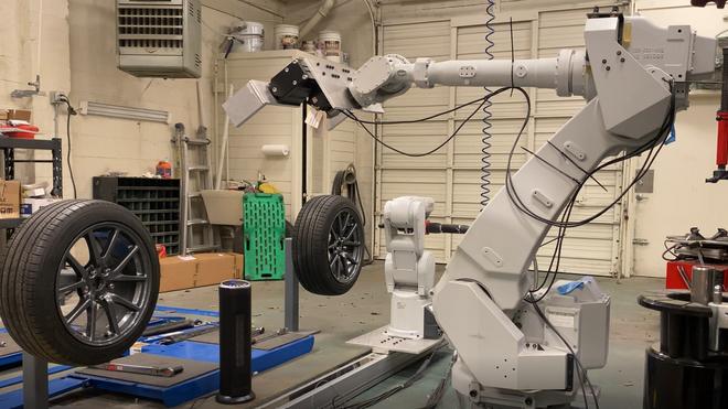 RoboTire: la innovación que sustituye los cuatro neumáticos en solo 10 minutos