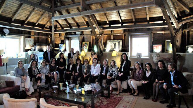 Faconauto Woman constituye su Comité Asesor conformado por 30 mujeres