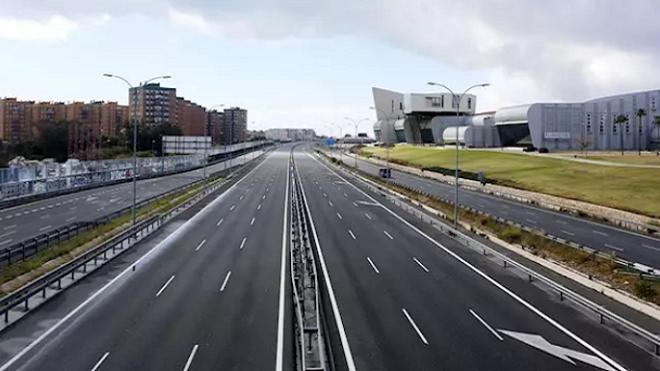 El tráfico por carretera en España se estabiliza, pero sube el flujo de camiones