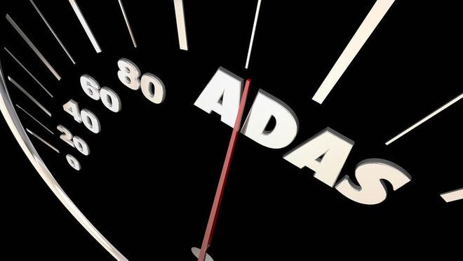 Sistemas ADAS y el vehículo eléctrico: el doble reto para aseguradoras y talleres