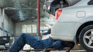 4 de cada 10 conductores no realiza la revisión del coche que marca el fabricante