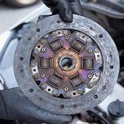 Cuáles son las claves para cambiar el embrague de un coche