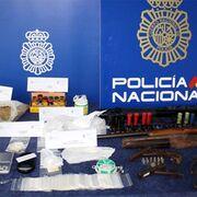 La Policía Nacional desarticula un punto de venta de drogas en un taller de Zamora