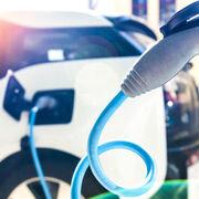 Diferencias en los costes de mantenimiento de un vehículo eléctrico y uno de combustión