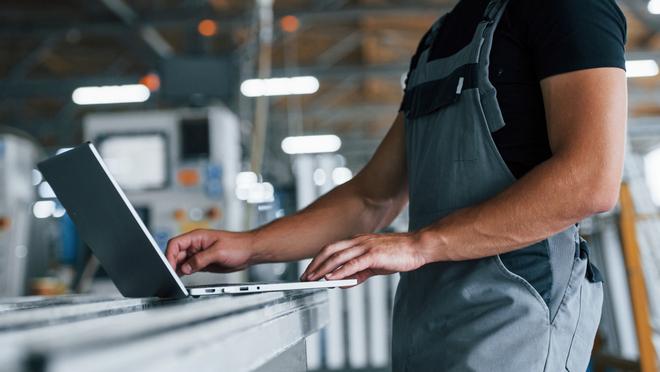 La formación en técnica pericial y en seguros, clave para los profesionales del taller